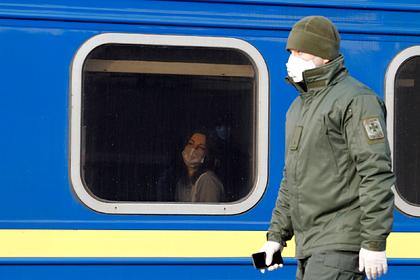 Украинцев попросили не возвращаться из-за границы в связи с коронавирусом