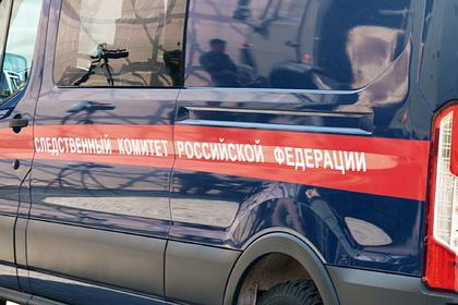 Неизвестные подожгли деревянный барак в российском городе и убили восемь человек