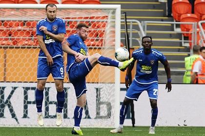 Урезание зарплат российским футболистам сочли несправедливым