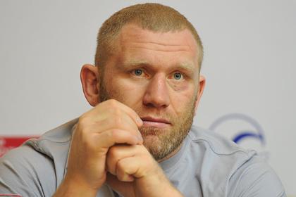 Российский боец MMA назвал карантин возможностью кайфовать и пить для россиян