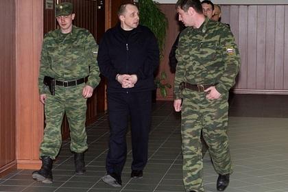Пожизненно осужденный за убийства сотрудник ЮКОСа попросил Путина о помиловании