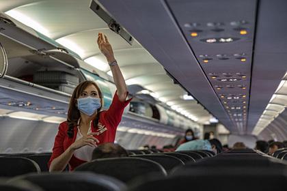 Стюардесса рассказала об ужасах работы из-за пандемии коронавируса