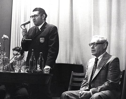 Драматург Леонид Зорин (слева) и шахматист Михаил Ботвинник