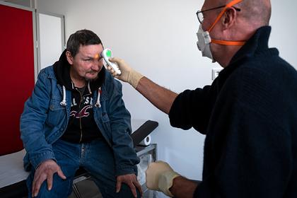В Латвии случилась вспышка коронавируса среди бездомных