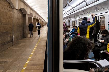 В Петербурге назвали ошибкой объявление о сокращении времени работы метро