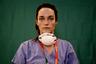 За день и ночь 31 марта в Италии умерли от осложнений, вызванных COVID-19, 837 человек. По числу погибших от пневмонии нового типа страна занимает первое место в мире — жертв болезни там уже более 12 тысяч.  <br></br> Итальянские врачи работают по нескольку смен подряд, регулярно недосыпая. На их щеках —  следы от масок и респираторов.