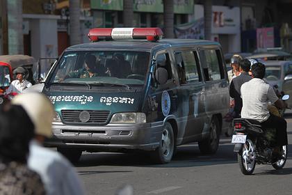 Турист обслюнявил банкноту и попал под арест