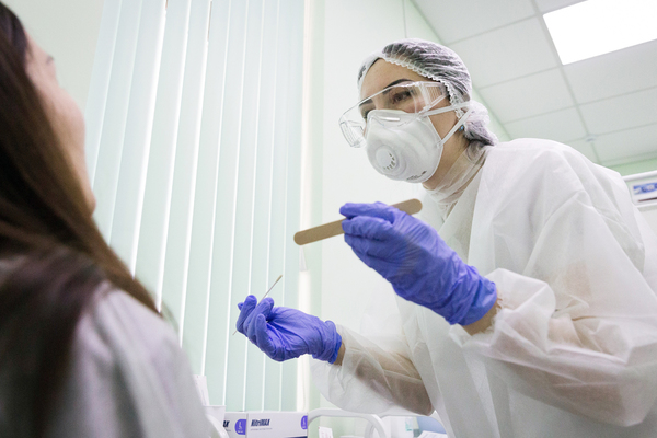 Объяснен рост числа случаев заражения коронавирусом в России