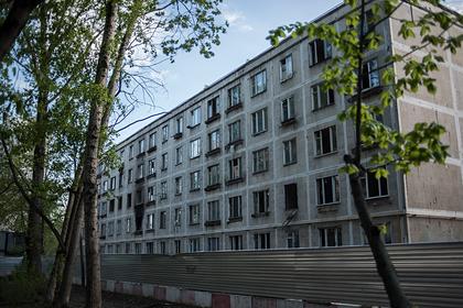 Застройщик переселил россиян в аварийное жилье и получил 62 миллиона рублей