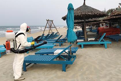 Россиянам пришлось поселиться на пляже Вьетнама из-за коронавируса