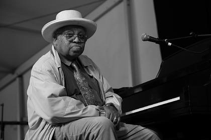 За сутки от коронавируса умер уже второй известный джазовый музыкант