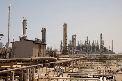 Саудовскую Аравию убедили резко снизить добычу нефти