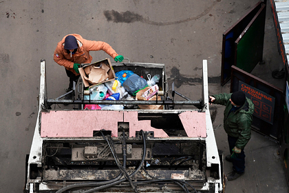 Власти рассмотрят новые меры финансовой поддержки мусорных операторов