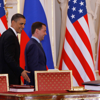 Барак Обама и Дмитрий Медведев после подписания СНВ-III