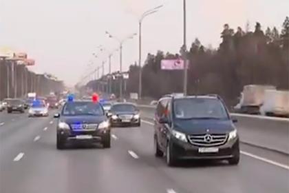 Показан объезд Москвы патриархом Кириллом с иконой