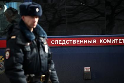 Разбойники в медицинских масках и с ножом ограбили москвичку на карантине