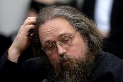 Священнослужитель раскритиковал патриарха Кирилла за объезд Москвы с иконой