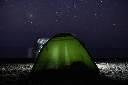 Попытавшегося самоизолироваться в палатке у моря россиянина оштрафовали