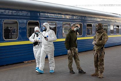 Киевлянам запретили выходить на улицу без масок и респираторов