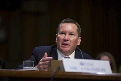 Начавший процедуру импичмента Трампа чиновник назвал причину своего увольнения