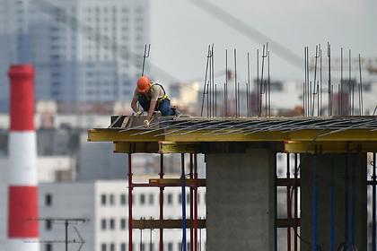 России предрекли остановку трети строек жилья