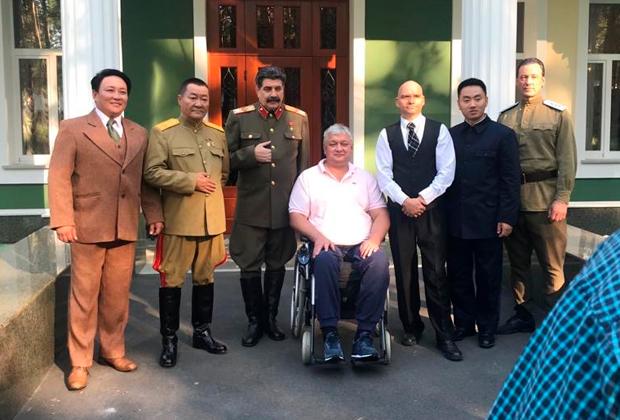 Дмитрий Матвеев и на фото, и в жизни примерял на себя образ Уинстона Черчилля