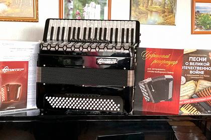 Школы алтайского края получили новые музыкальные инструменты