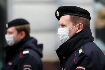 Российские регионы начали изолировать прибывающих из Москвы и Петербурга