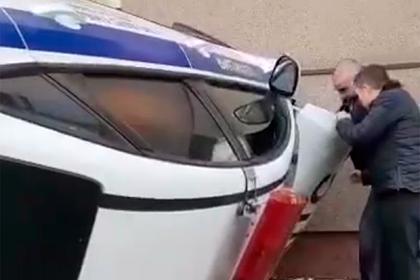 Автомобиль ДПС перевернулся из-за кошки в Москве