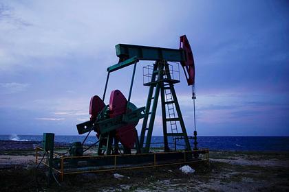 Саудовская Аравия отказалась сокращать добычу нефти на уровне России