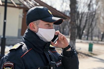 Москвичка пожаловалась в полицию на парикмахерскую и подстригшуюся мать