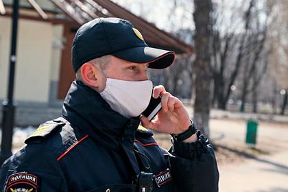 В Москве дворники и курьер затащили незнакомку в подвал дома и изнасиловали
