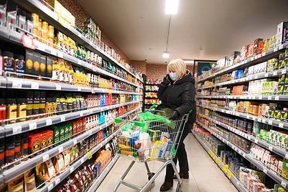 Российские магазины предупредили о возможном дефиците из-за «заморозки» цен
