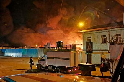 В российской колонии бунтующие заключенные устроили пожар