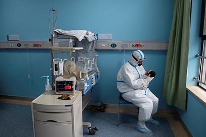 Ученые назвали дистанцию распространения коронавируса от зараженного