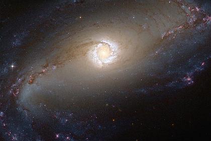 Сейфертовская галактика NGC 1097