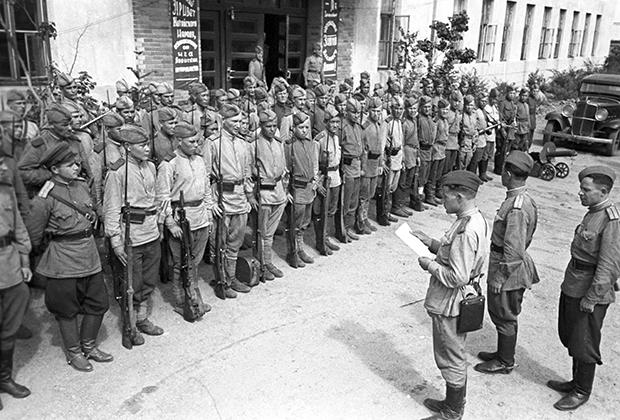 2-й Дальневосточный фронт. Чтение приказа о победе над Японией. 3 сентября 1945 года