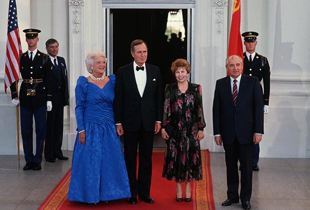 Рейганы и Горбачевы на официальном ужине в Белом доме, 1987 год