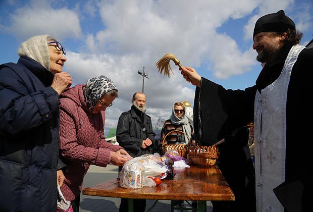 Освящение куличей. Минск, Белоруссия