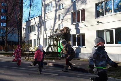 Путину предложили открыть закрытые из-за коронавируса школы и детские сады