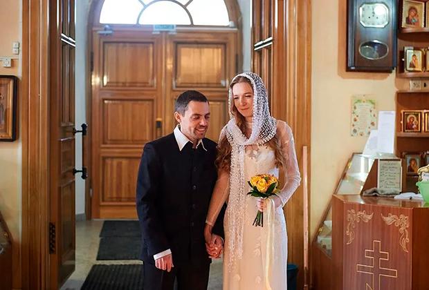 Владимир и Галина Дубцовы во время венчания