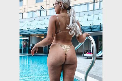Модель намеренно показала целлюлит на фото в бикини и обрадовала фанатов