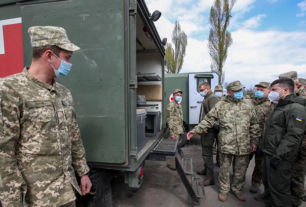 Зеленский проверяет состояние войск