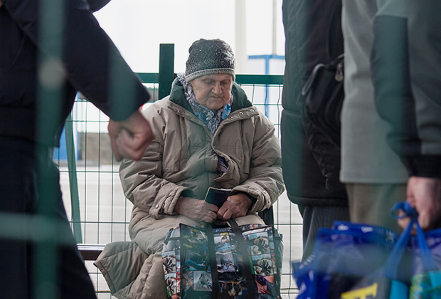 КПП «Оленовка» на линии соприкосновения, 14 марта 2020 года