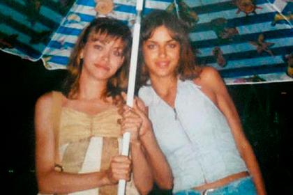 Ирина Шейк (справа)