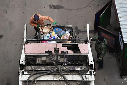 Власти определились с антикризисными мерами в борьбе с отходами