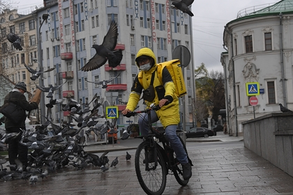 Россиянам раскрыли правила по безопасной доставке еды на дом в период эпидемии