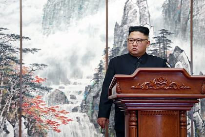 Стало известно о прячущемся от коронавируса на пляжной вилле Ким Чен Ыне