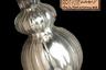 При всей жути антиведьменского экспоната музеев Скарборо, его определенно обошел музей Питт-Риверса из Оксфорда, — в их коллекции оказалась настоящая ведьма. Точнее, посеребренная закупоренная бутылка, в которой, по уверениям ее прошлых владельцев, эта ведьма находится. Экспонат был получен от пожилой леди из маленькой деревни возле курортного города Хов, графство Восточный Суссекс, в 1915 году. Отдавая бутылку, старушка предупредила: «Говорят, что внутри ведьма, и если вы ее откроете, то проблем не оберетесь». Будем надеяться, что сотрудники музея Питт-Риверса аккуратно относятся к артефакту, — при всех нынешних невзгодах нам только ведьмы на свободе не хватало.