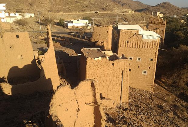 Захран-аль-Джануб. Традиционные дома-башни